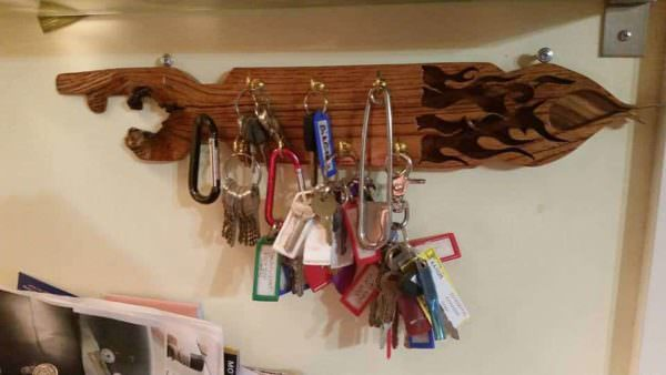 Key Holder From Pallet Wood Pallet Shelves & Pallet Coat Hangers