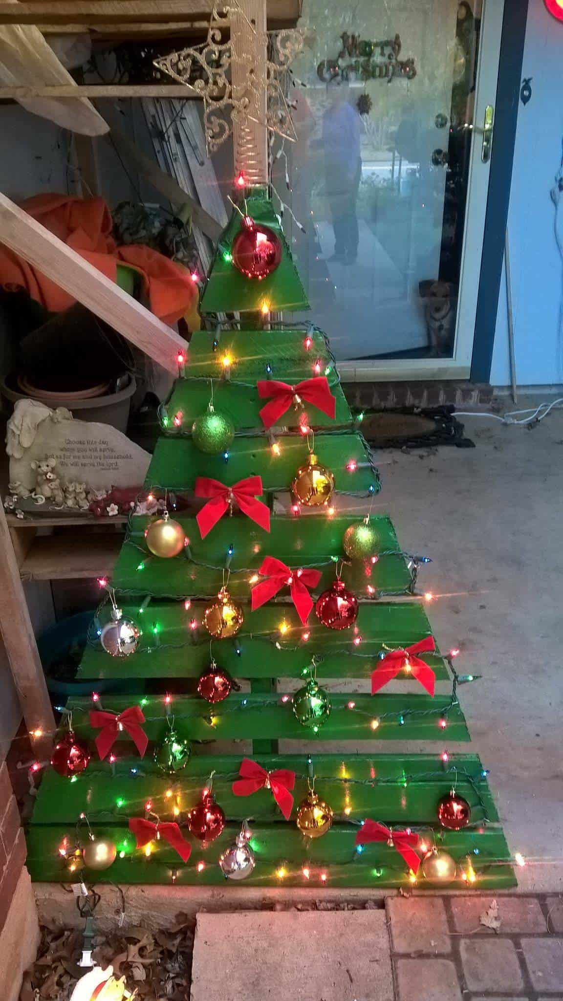 Little Green Pallet Christmas Tree 1001 Pallets
