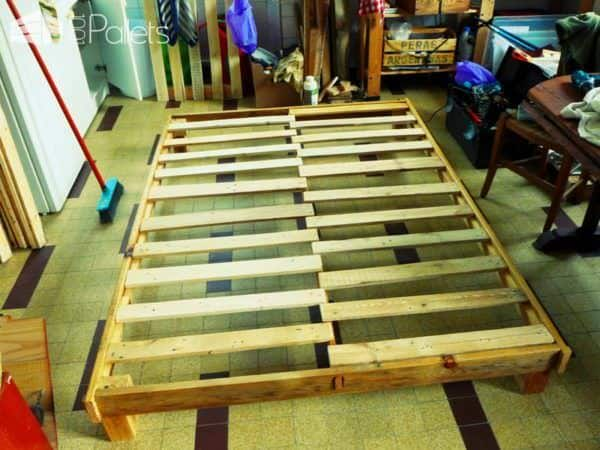 New Pallet Bed Frame & Headboard for Our New Home DIY Pallet Bed Headboard & Frame