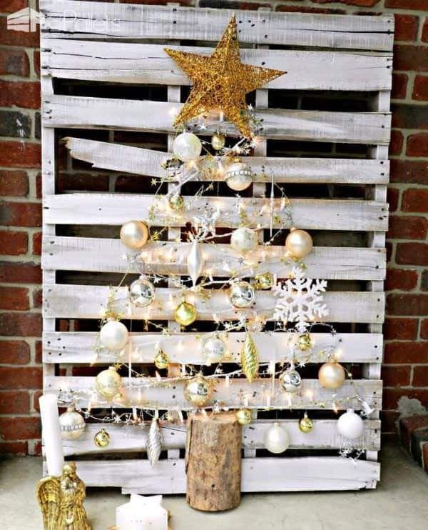Our 15 Favorite Pallet Christmas Trees & Decorations for 2016 Pallet Home Accessories