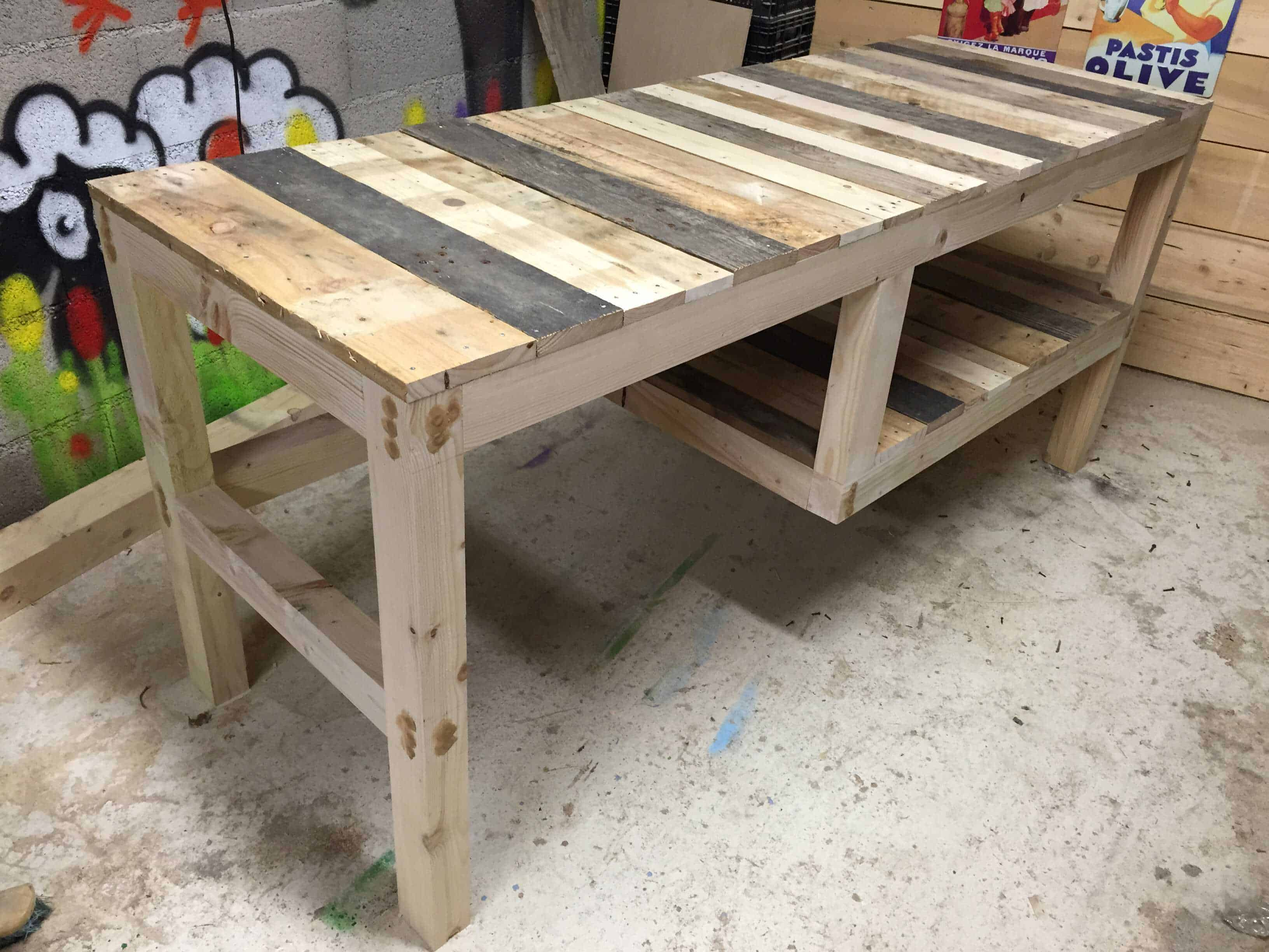 Pallet Desk With Integrated Shelf • 1001 Pallets
