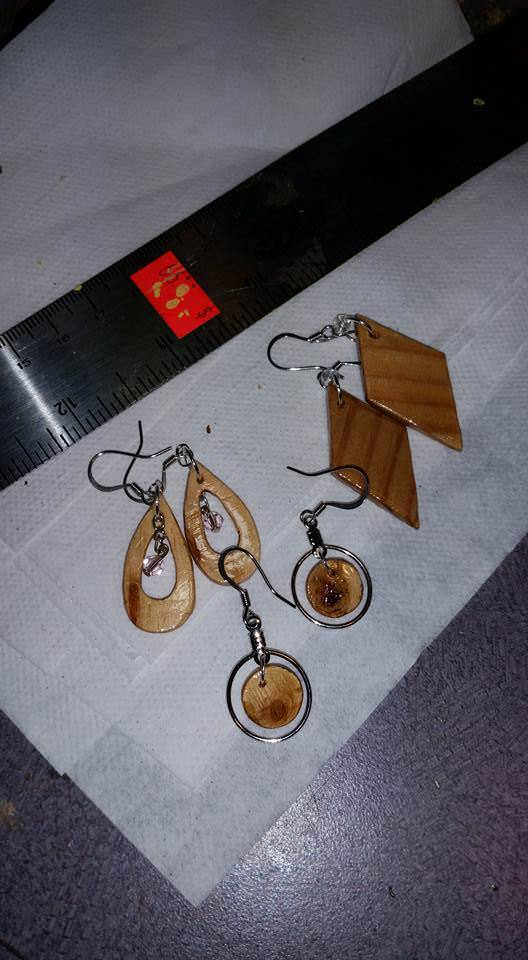1001pallets.com-pallet-earrings