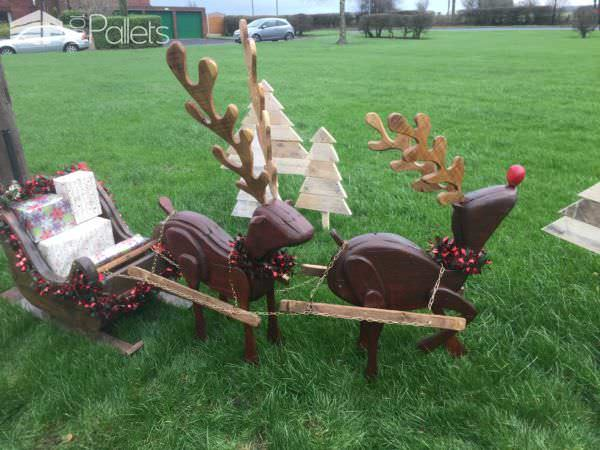 1001pallets.com-reindeers-and-sleigh