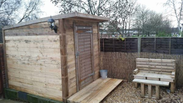 Pallet Shed & Bench Under 100£ Pallet Sheds, Pallet Cabins, Pallet Huts & Pallet Playhouses