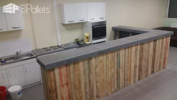 Pallets Bar With Lights DIY Pallet Bars