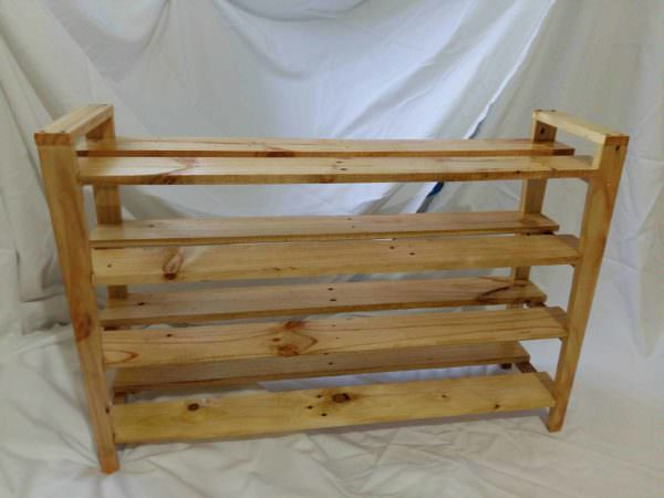 Simple Pallet Shoes Rack Pallet Shelves & Pallet Coat Hangers