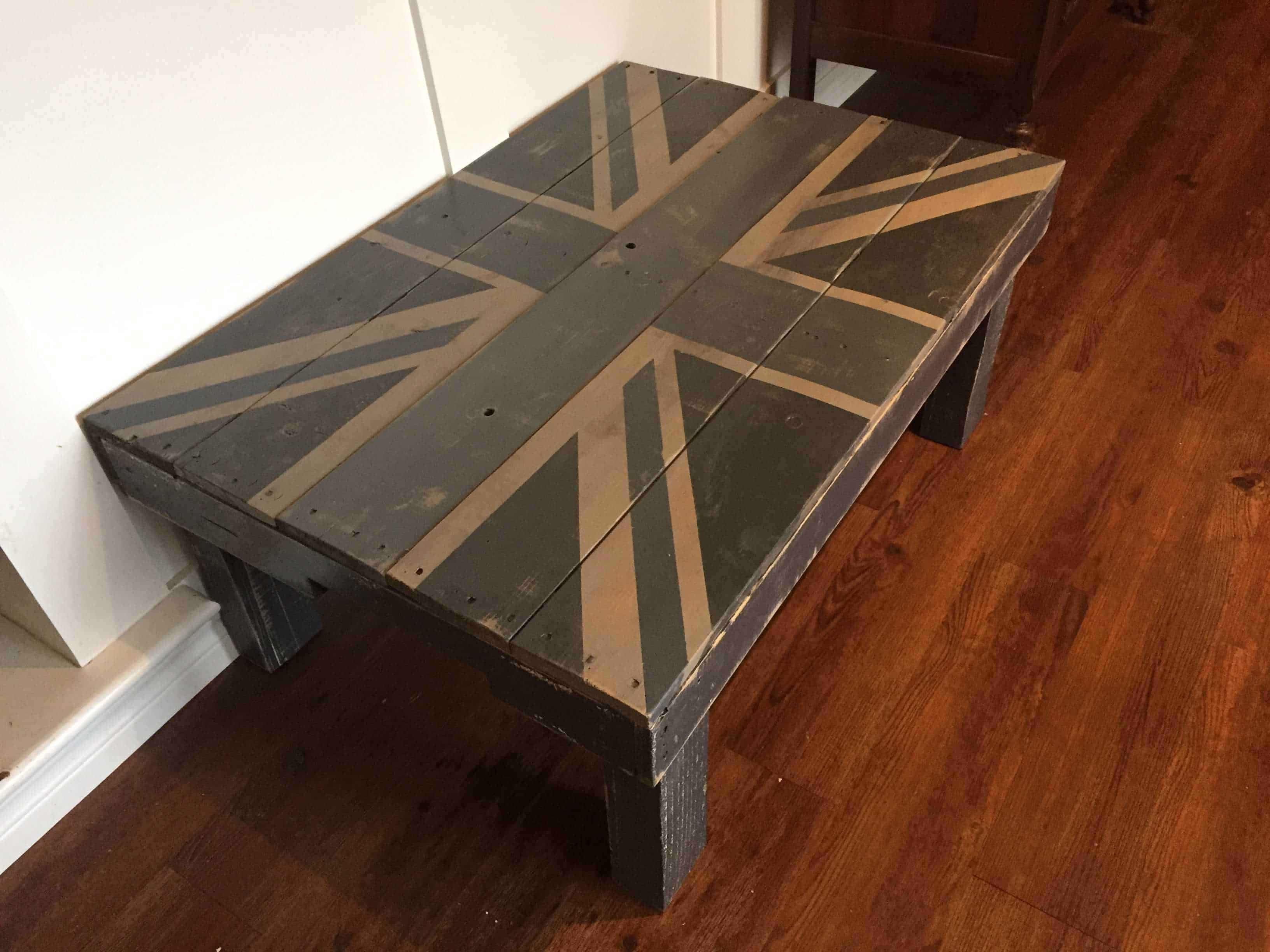 Union Jack Pallet Coffee Table • 1001 Pallets