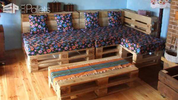 Can You Convert Your Pallet Lounge Into a Double Bed at Night ? Lounges & Garden SetsPallet Sofas & Couches