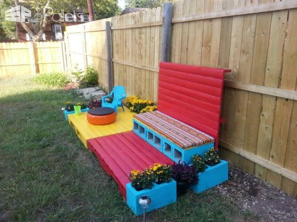 1001pallets.com-build-granddaughter-her-own-patio4