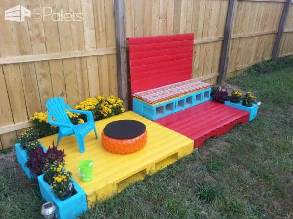 1001pallets.com-build-granddaughter-her-own-patio1