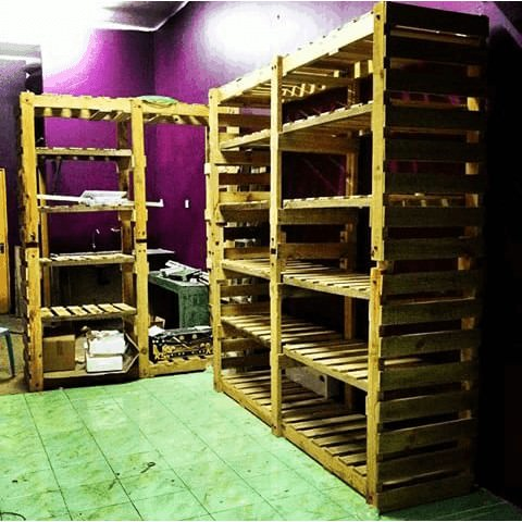1001pallets.com-laundry-heavy-duty-shelves1