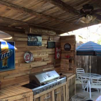 My Summer Pallet Project: Outdoor Kitchen