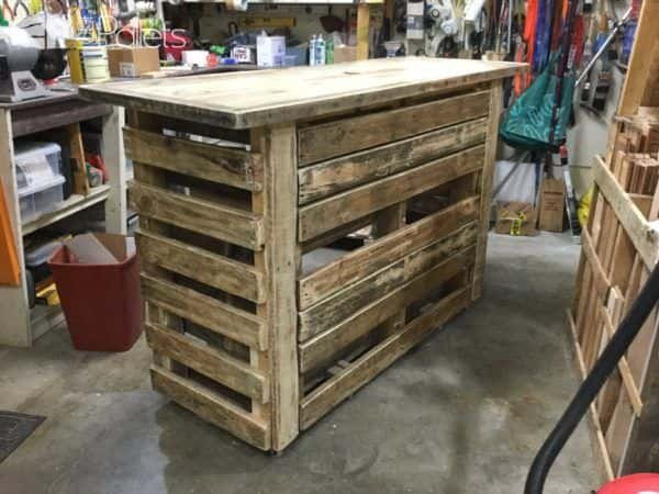 Pallet Bar with Built in Insulated Ice Box Pallet Bars
