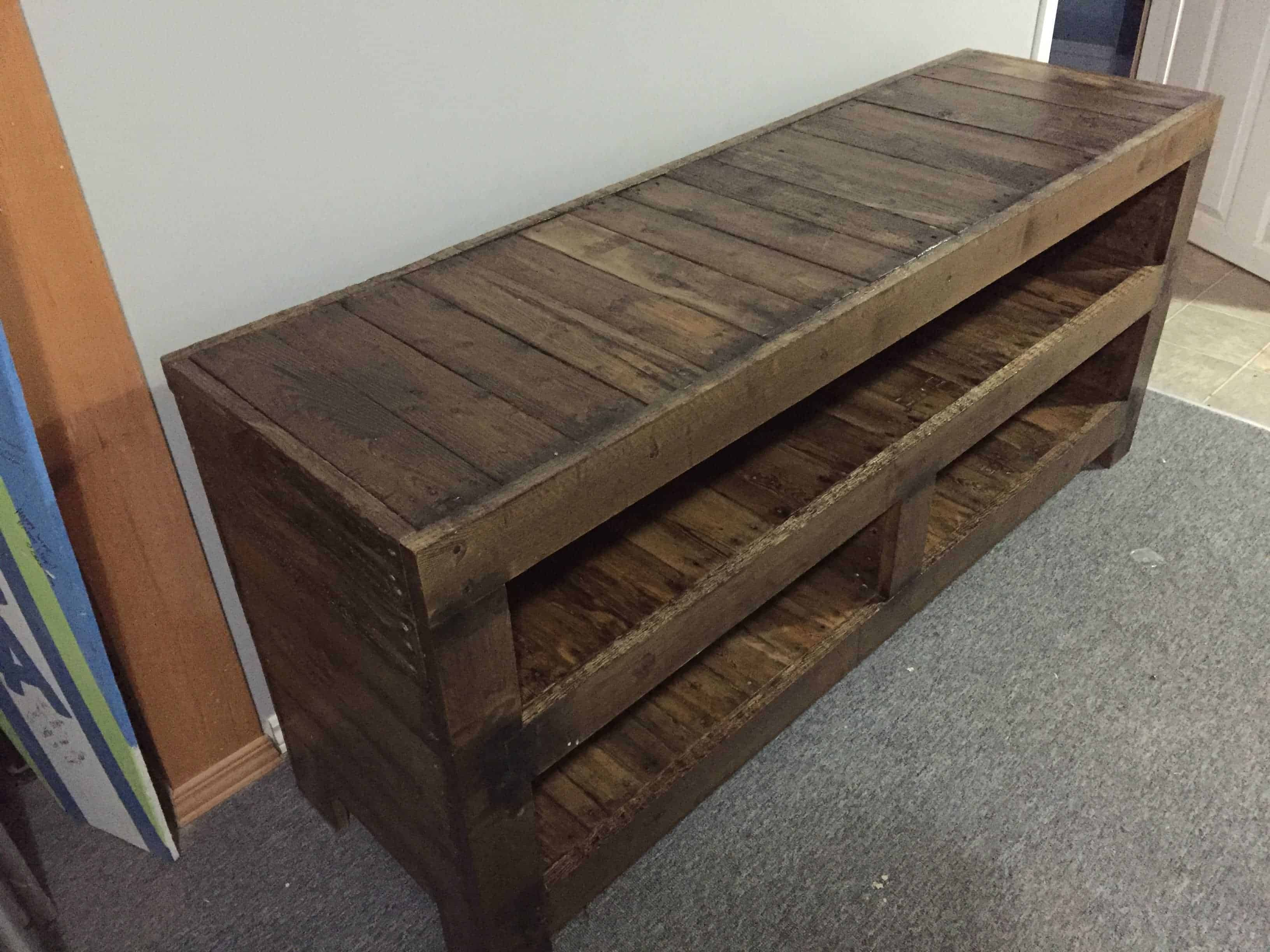 Pallet entertainment unit pallet ideas 1001 pallets