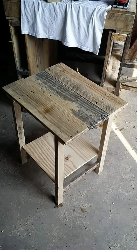1001pallets.com-side-table1