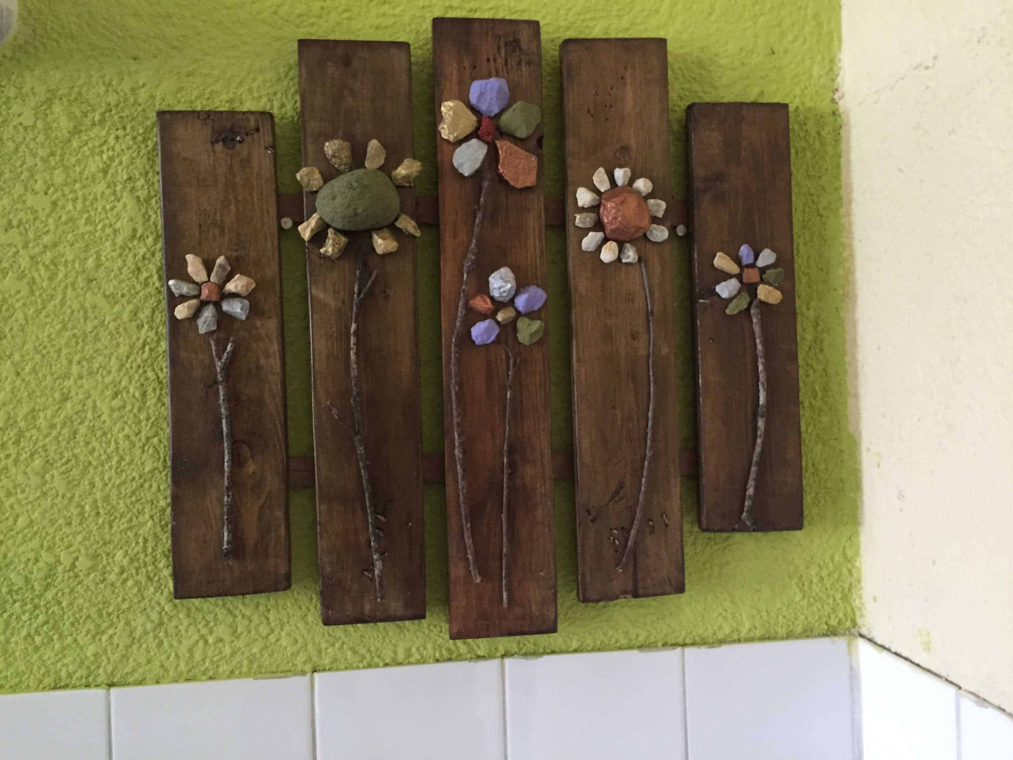 Pallet Wall Decor • Pallet Ideas • 1001 Pallets
