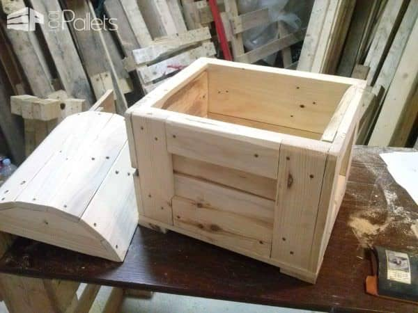 1001pallets.com-pirates-chest1