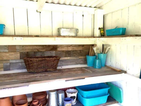 1001pallets.com-potting-shed8