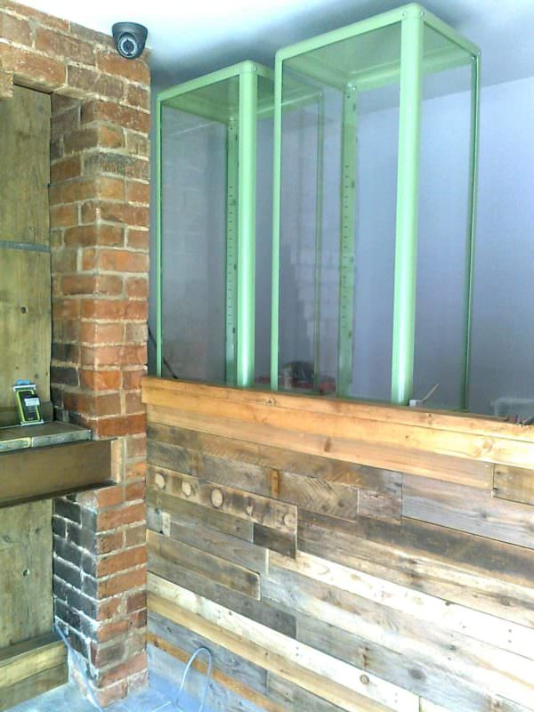 Shop Counter Clad With Pallet Wood Pallet Store, Bar & Restaurant Decorations