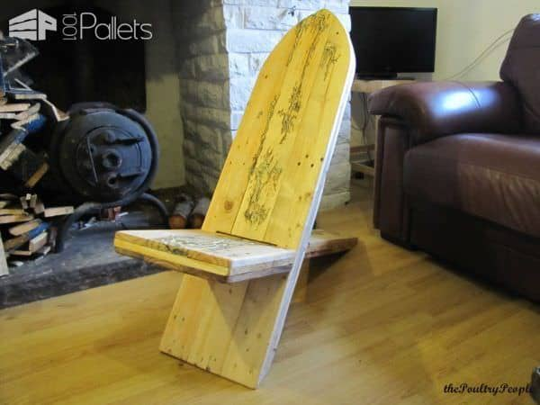 1001pallets.com-viking-chair-with-lichtenberg-figure-filled-with-glow-in-the-dark-resin8