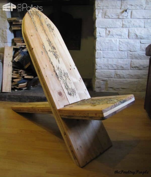 1001pallets.com-viking-chair-with-lichtenberg-figure-filled-with-glow-in-the-dark-resin