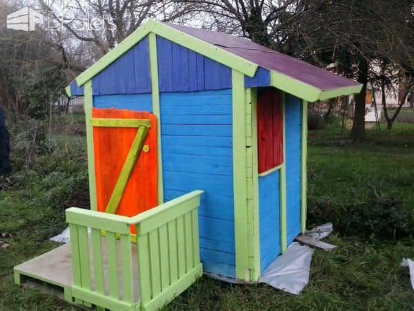 Cabane De Jardin Pour Enfants / Children Play House & Its Making of Pallet Sheds, Pallet Cabins, Pallet Huts & Pallet Playhouses