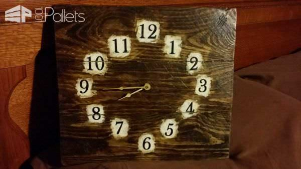 From One Old Pallet To Four Clocks Pallet Clocks Pallet Home Accessories