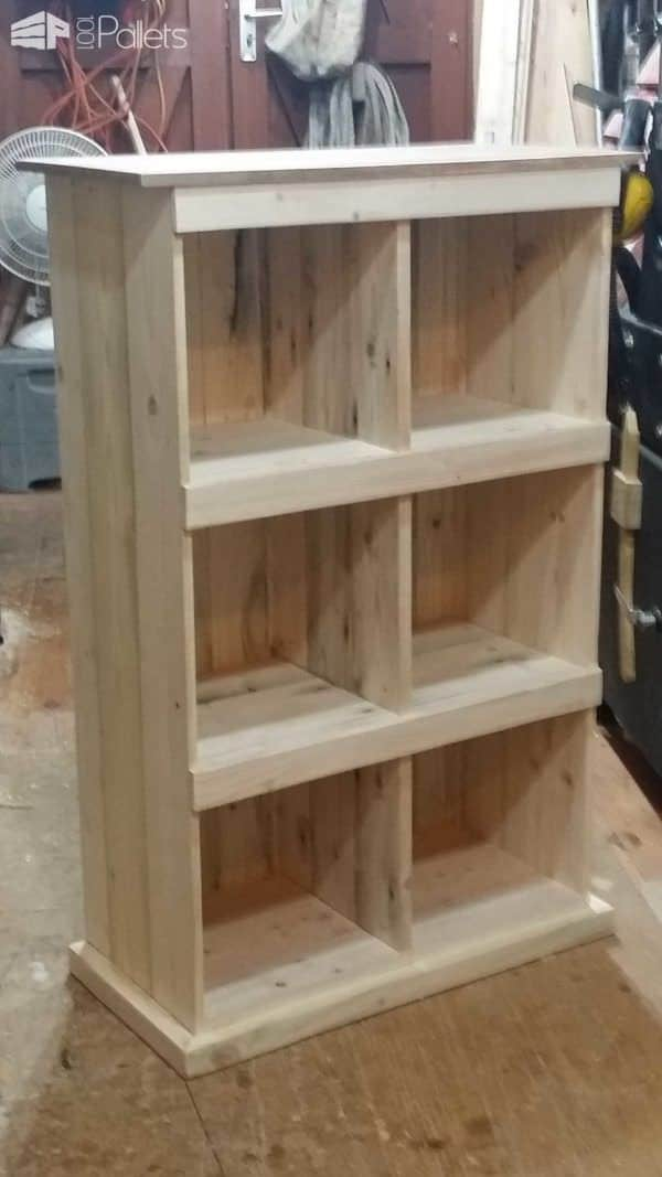 From That... to That... Pallet Bookcases & Pallet Bookshelves Pallet Shelves & Pallet Coat Hangers
