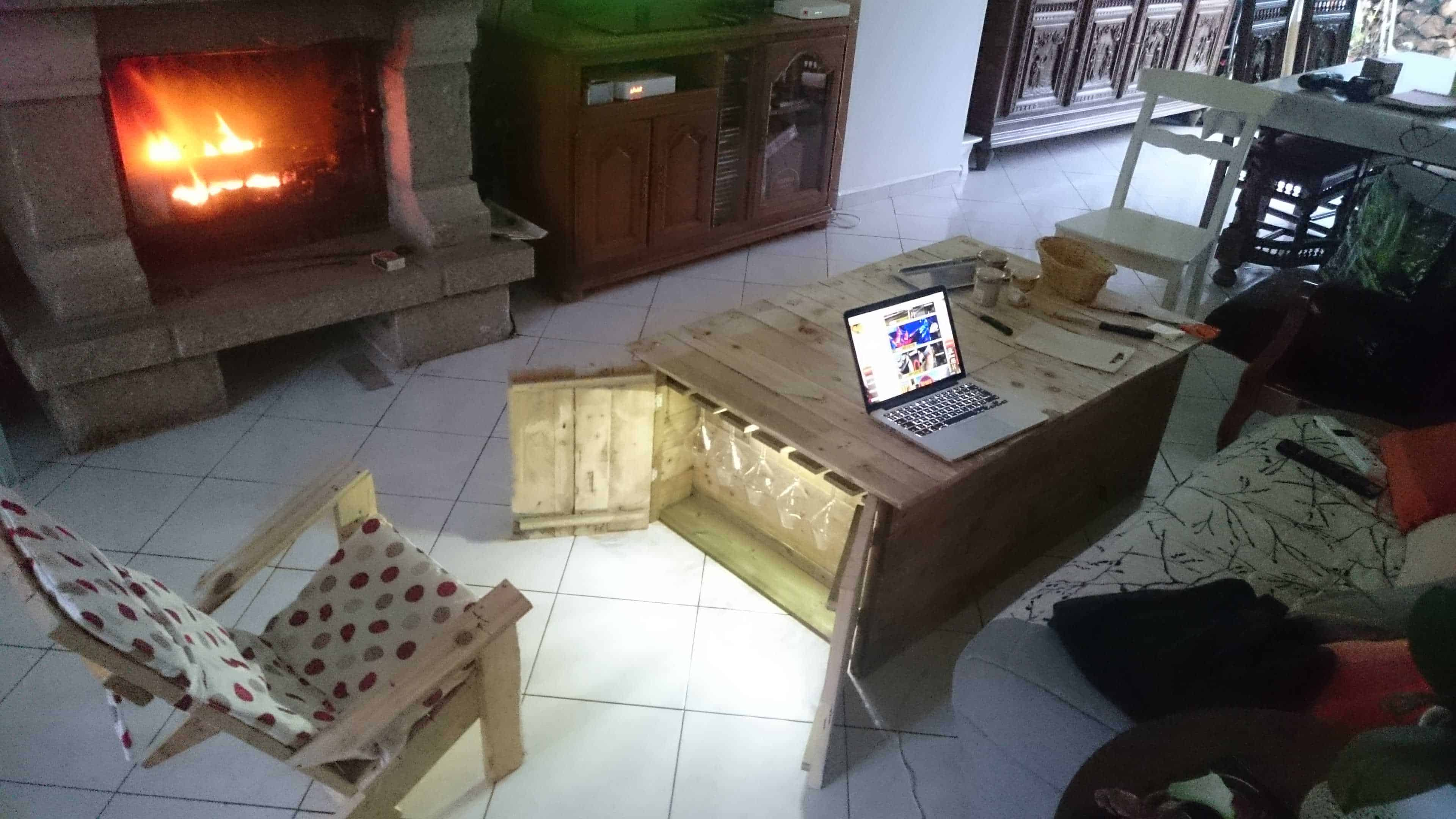 Functionnal Coffee Table With Storage For Glasses U0026 Bottles U2022 1001 Pallets