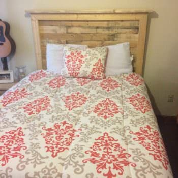 Queen Sized Pallet Bed Headboard and How to Make It