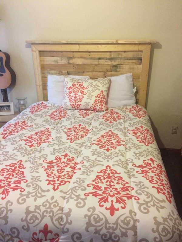 Queen Sized Pallet Bed Headboard and How to Make It Pallet Beds, Pallet Headboards & Frames