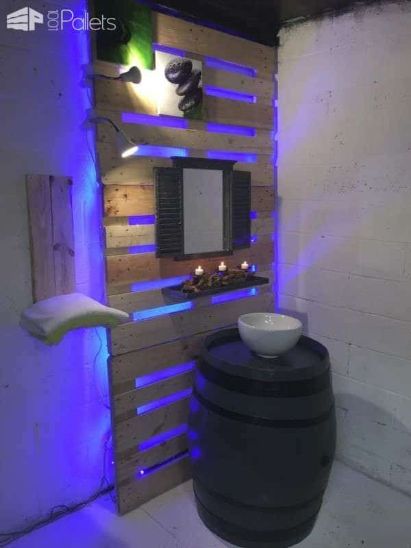 17 Rustic Bathroom Ideas You Can Make With Pallet Wood Pallet Shelves & Pallet Coat Hangers