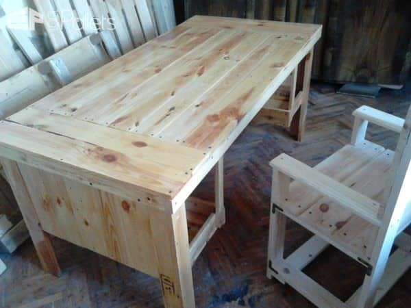1001pallets.com-this-table-and-chair-need-to-be-3-pallets2