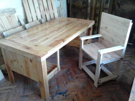 Desk & Chair from 3 Repurposed Pallets