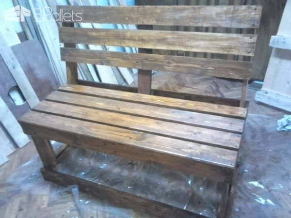 1001pallets.com-two-pallets-are-required-to-take-their-turns-these-benches1