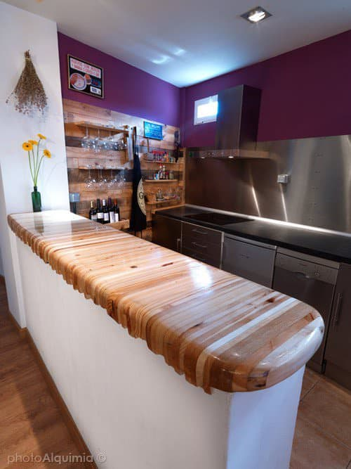 Kitchen Makeover with Stainless Steel and Recycled Pallets DIY Pallet Bars