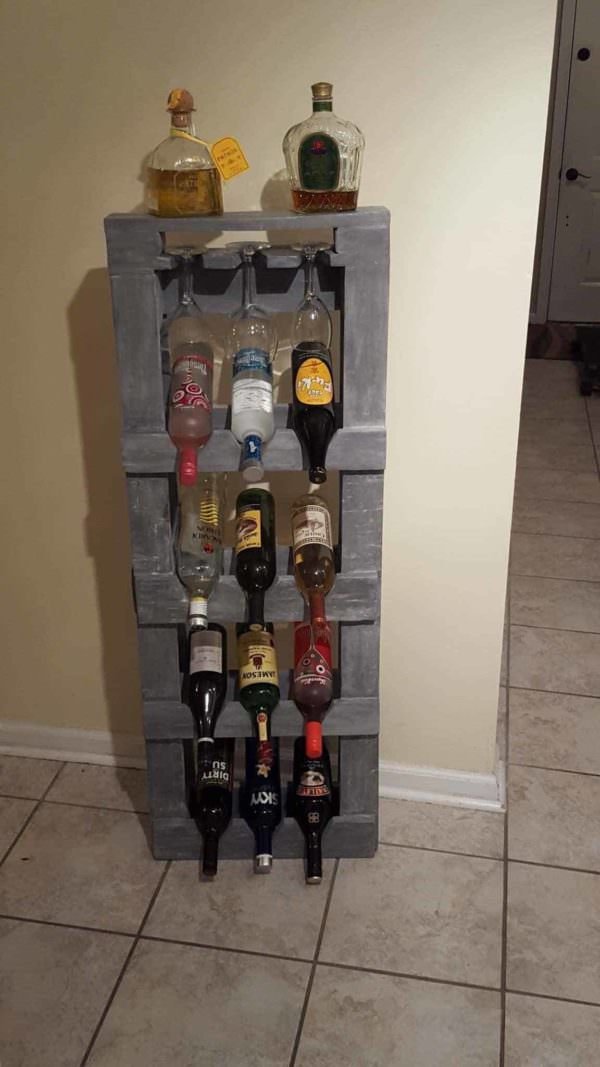 Pallet Alcohol Shelf / Wine Rack Pallet Shelves & Pallet Coat Hangers