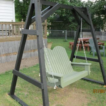 Pallet Swinging Chair