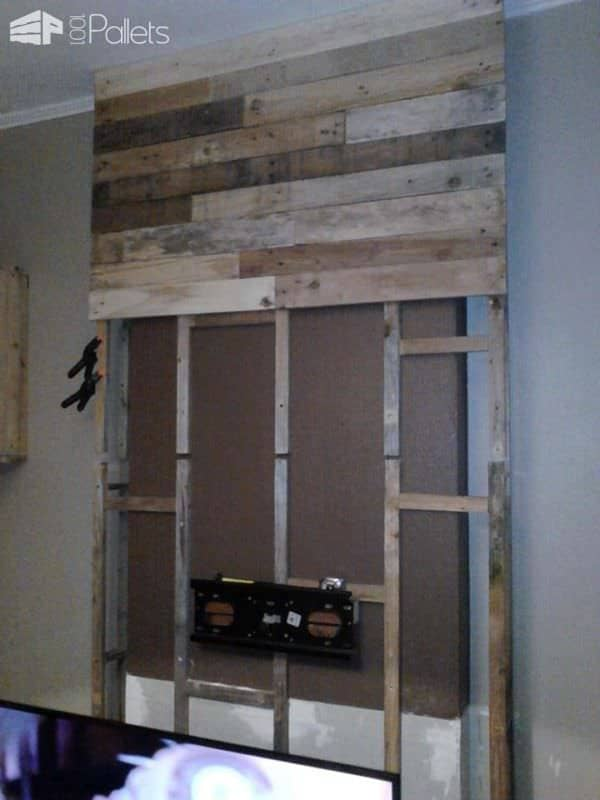 Wall from Pallet Wood / Mur En Bois De Palettes Pallet TV Stand & RackPallet Walls & Pallet Doors