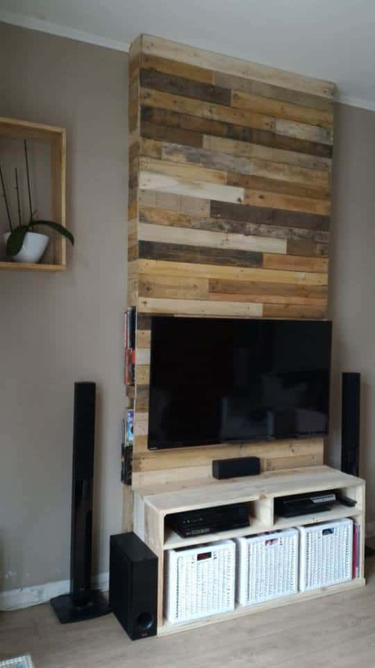 wall from pallet wood mur en bois de palettes 1001 pallets. Black Bedroom Furniture Sets. Home Design Ideas