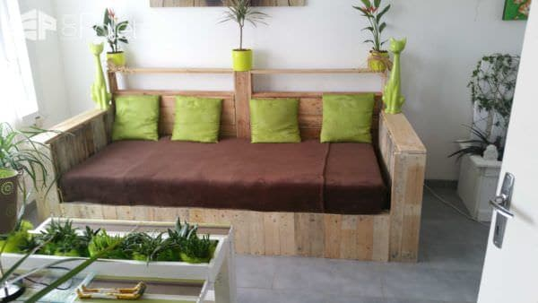 White Pallet Sofa: Do You Prefer It Painted or Not? Pallet Sofas & Couches