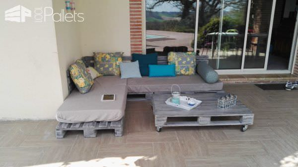 3 Pallets Lounge with Its Coffee Table / Canapé  Avec Sa Table Basse Lounges & Garden SetsPallet Sofas & Couches