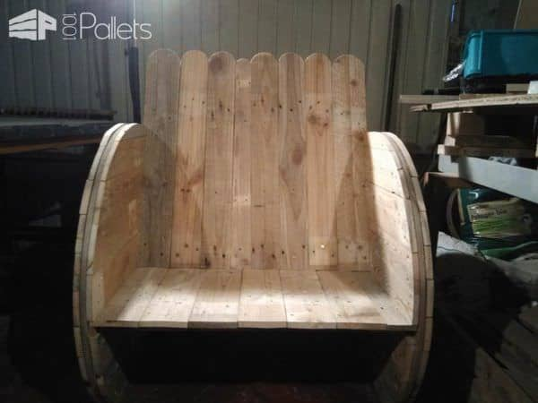 Cable Drum & Pallets Into Garden Armchair / Fauteuil Touret Pallet Benches, Pallet Chairs & Stools