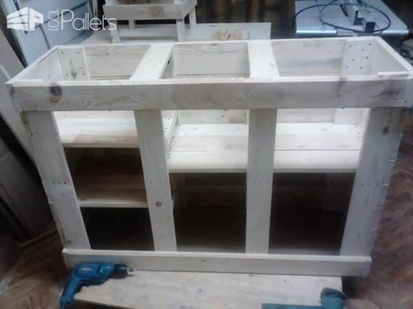 1001pallets.com-chest-of-drawers-for-a-variety-of-purposes1
