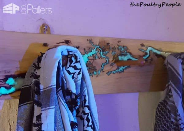 Coat Rack - Peg Rail - One Plank Project Pallet Shelves & Pallet Coat Hangers