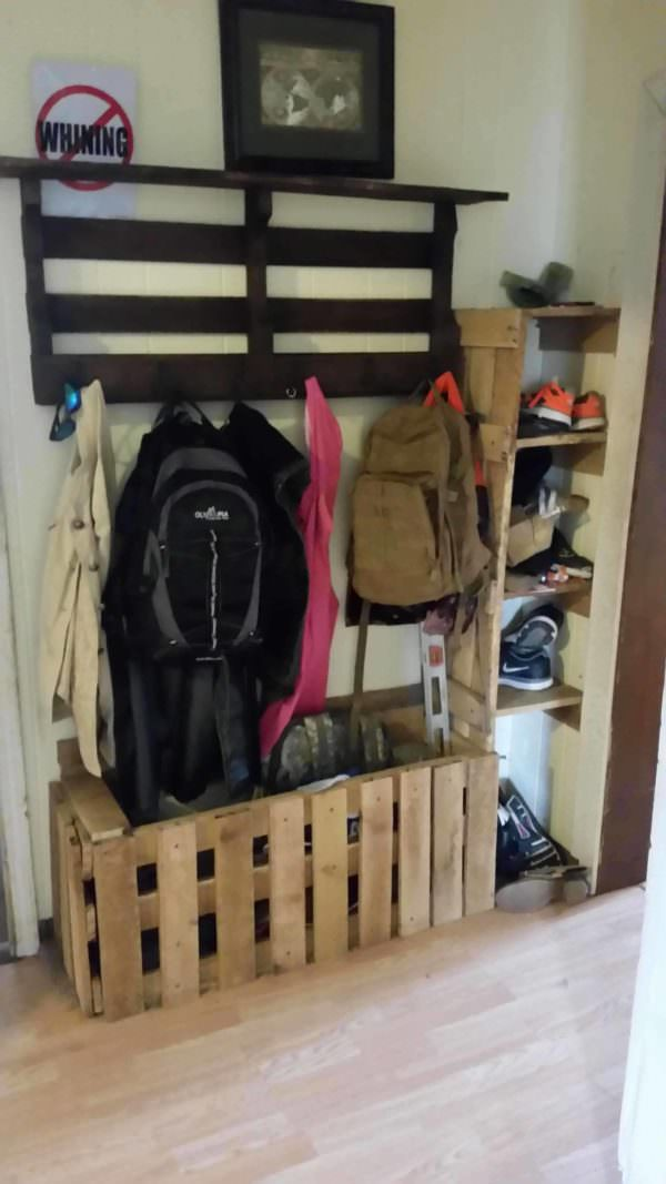 Hall Storage for Kids Pallet Shelves & Pallet Coat Hangers