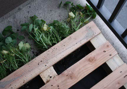 How to Make a DIY Pallet Garden Pallet Planters & Pallet Compost Pallets in The Garden