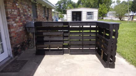 Outdoor Tiki Bar From 6 Recycled Pallets & Less than 50$