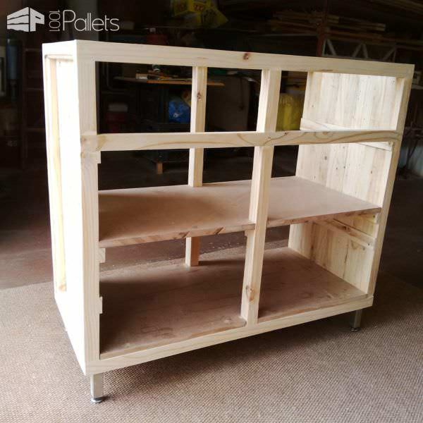 Pallet Cabinet From One Single Pallet Pallet Cabinets & Pallet Wardrobes