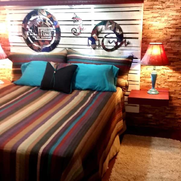 Southwestern Pallet Bed Headboard DIY Pallet bed headboard and frame - Pallet Bedroom